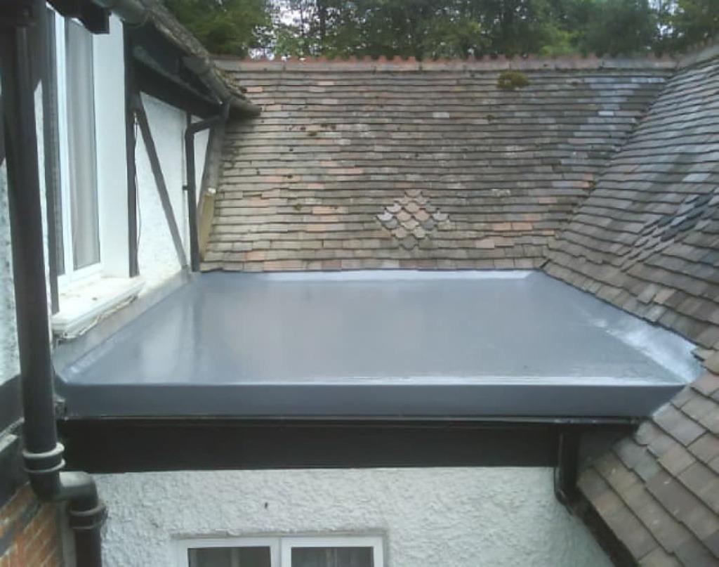 https://southdublinflatroofing.com/wp-content/uploads/2020/03/Fibreglass-flat-roof-installation-in-Dublin-1024x807.jpeg